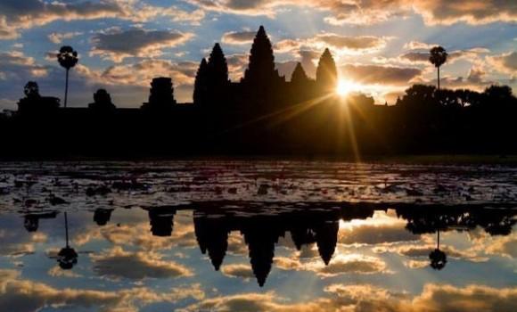 Angkor Wat アンコールワット ユネスコ世界遺産 12世紀前半建立